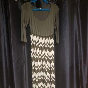 Fascination Dresses - Fascination Green Cream Dress S NWOT
